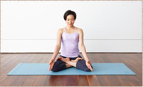 step 3  yoga untuk atasi kram perut saat haidpembalut